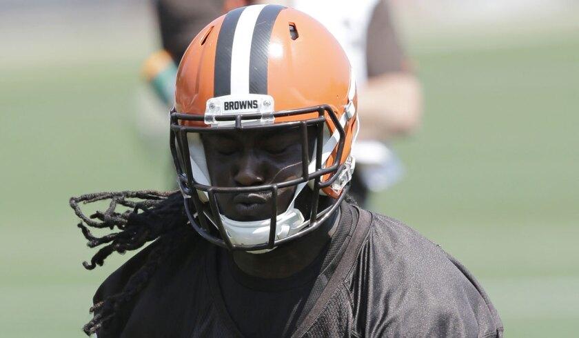 sale retailer 81ebd dfc50 Browns RB Isaiah Crowell pledges first game check to Dallas ...