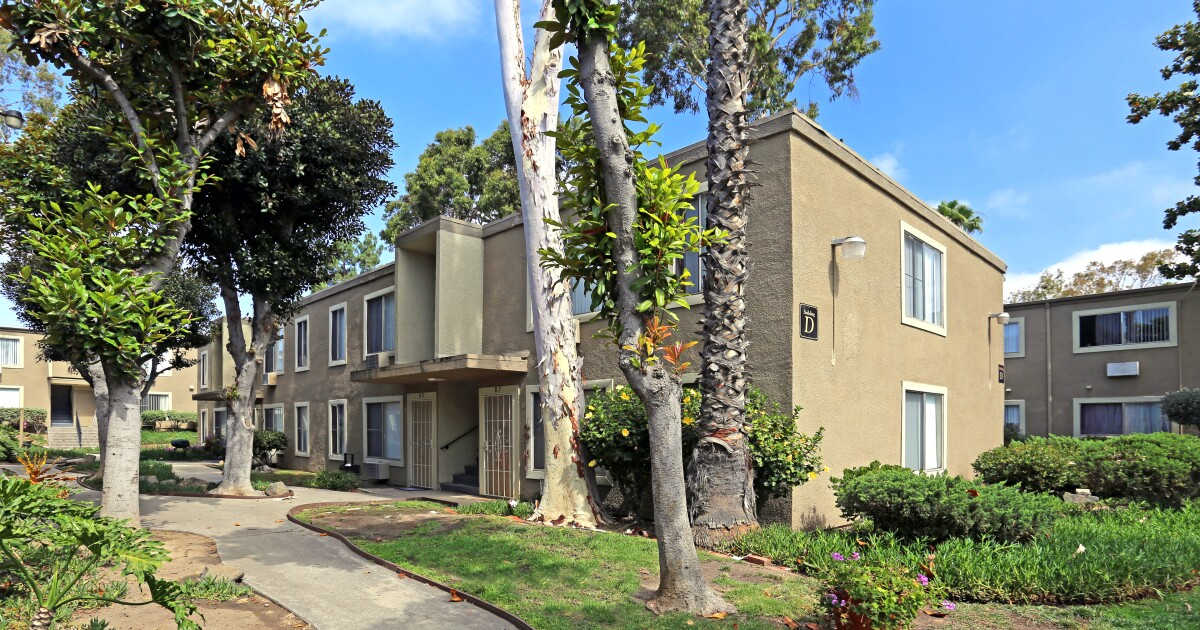 Blackstone Group to buy 66 apartment complexes in San Diego for more than $1 billion