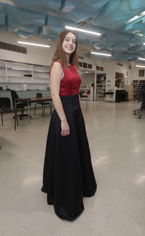 tn-vsl-me-lchs-donates-choir-robes-20200220-2.jpg