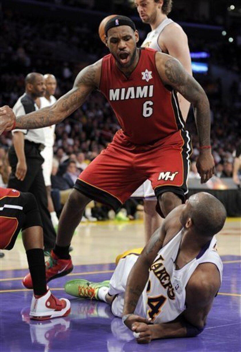 Lebron Has Triple Double Heat Rout Lakers The San Diego Union Tribune