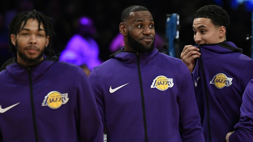 Dan Woike: Scouts debate trade value of Lakers' young players as NBA deadline approaches