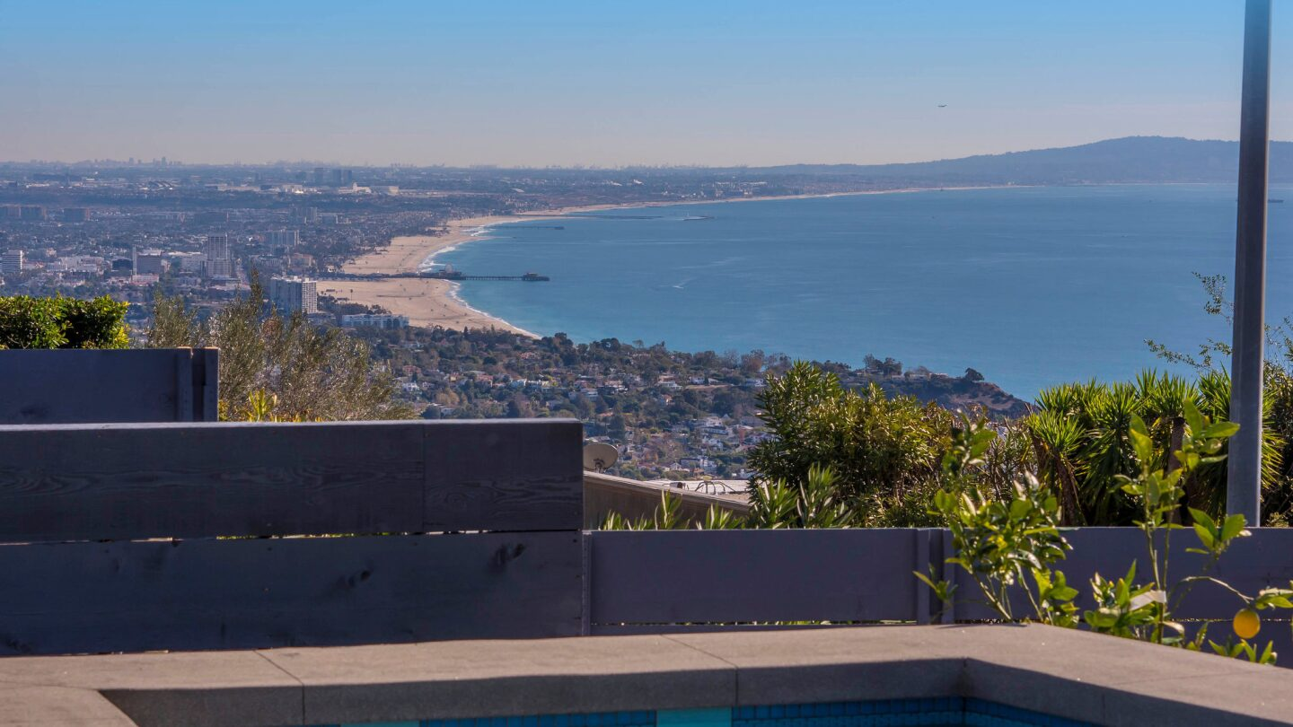 Home of the Day: A hip look in Pacific Palisades for about $6 million