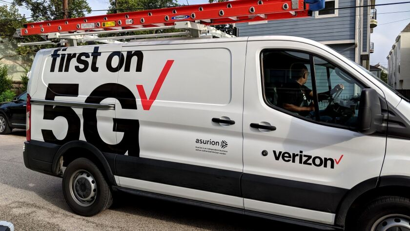 Verizon 5G installer in Houston, Texas on Oct. 1, 2018. (Verizon)