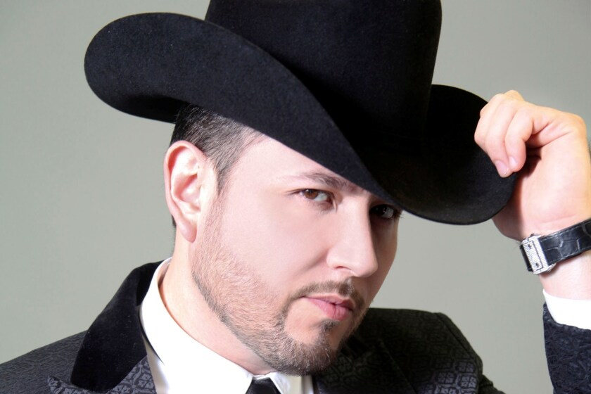 El cantante Roberto Tapia regresa a LA Live para cantar sus polémicos narcocorridos y estrenar temas de su nueva producción.