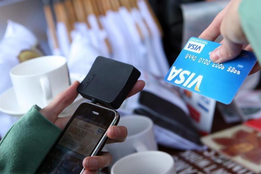 La compañía de tarjetas de crédito Visa anunció hoy que cerró su ejercicio fiscal de 2018 con un aumento del 54 % en sus beneficios netos, hasta alcanzar los 10.301 millones de dólares. EFE/ARCHIVO