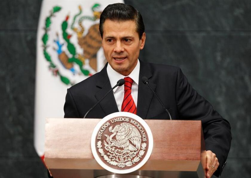 El presidente de México Enrique Peña Nieto habla en la Residencia Oficial de Los Pinos en Ciudad de México. EFE/Archivo