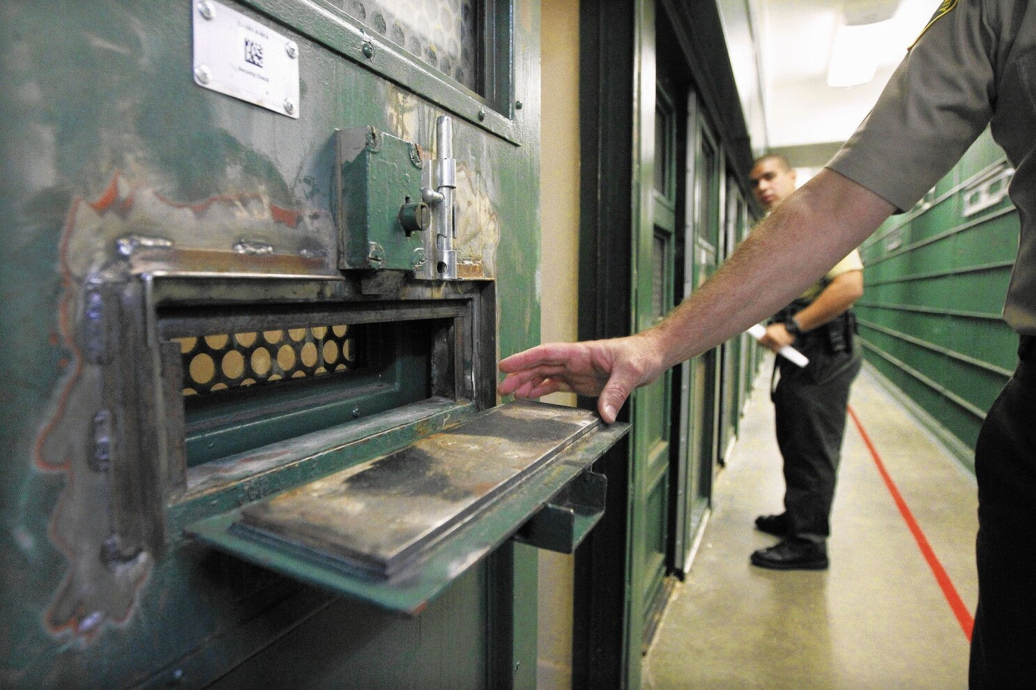 Jail cracks down on inmates' pungent assaults on deputies
