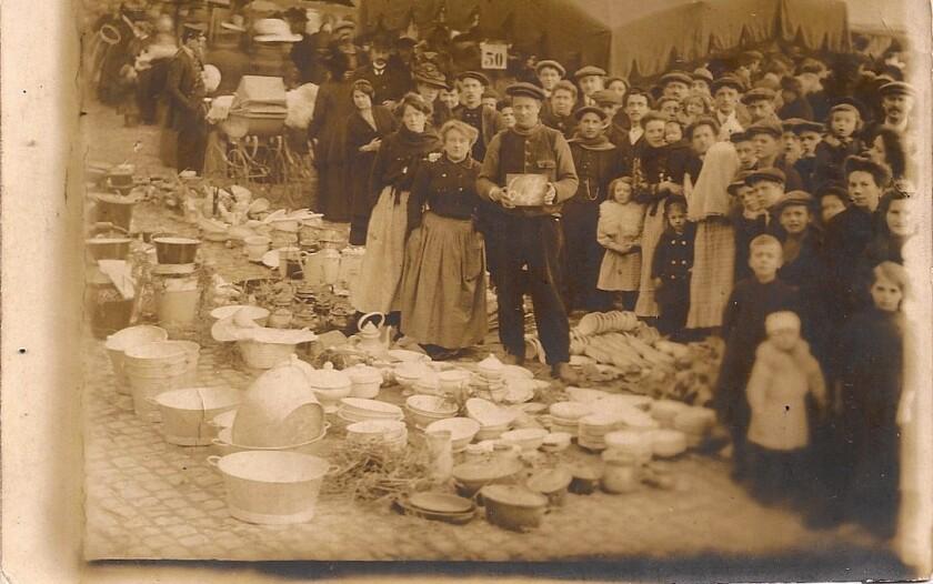 "A flea market seen in ""The Other Paris"""