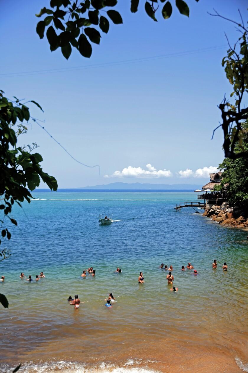 Colomitos Cove