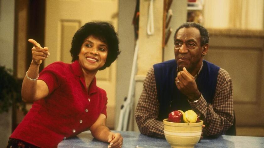 """Bill Cosby aparece con Phylicia Rashad, su pareja en el show """"The Cosby Show"""" en 1985, que colocó al actor como un modelo a seguir en cuestiones familiares."""