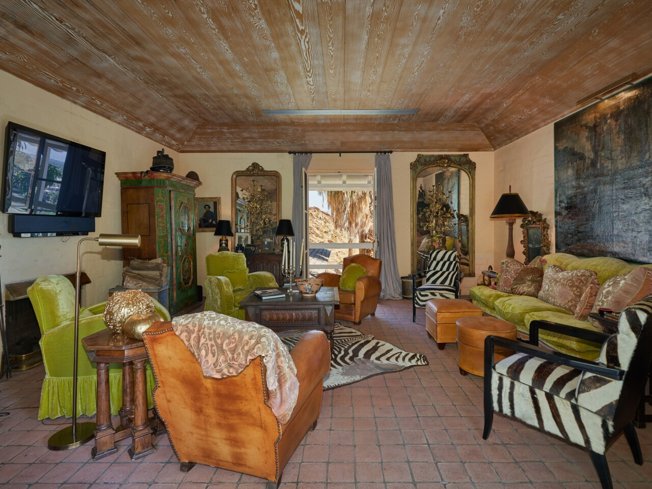 Suzanne Somers' desert home | Hot Property