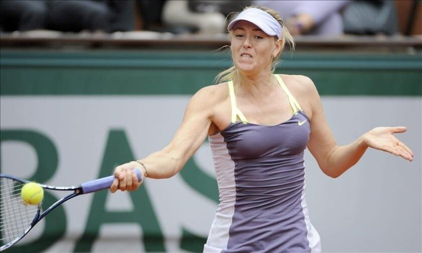 La rusa Maria Sharapova durante el partido disputado esta mañana en París. EFE