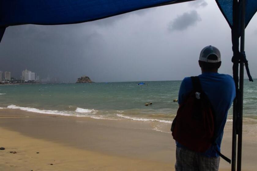 La tormenta tropical Daniel se formó en las últimas horas en el Pacífico y por su lejanía de las costas mexicanas no afecta al territorio, informó hoy el Servicio Meteorológico Nacional (SMN). EFE/Archivo
