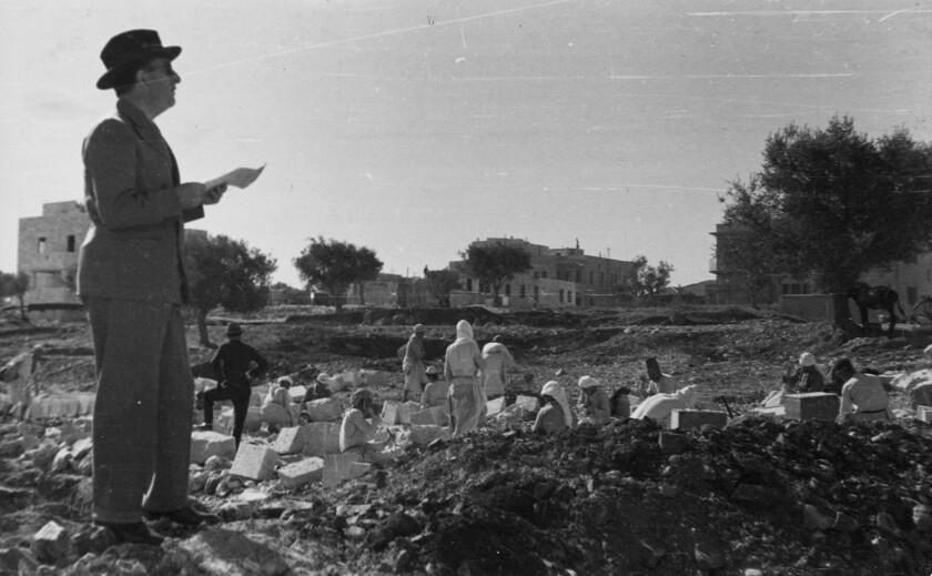 Erich Mendelsohn at one of the Schocken sites, Rehavia.