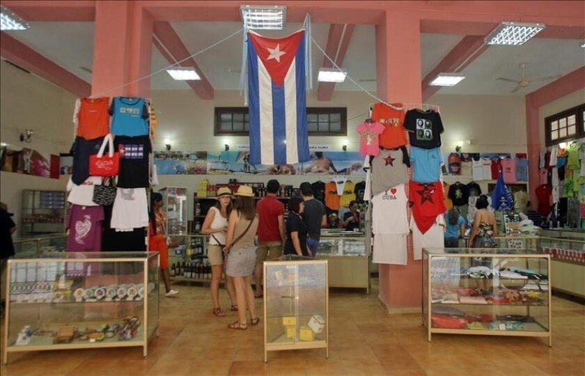 """If this situation has had an impact of this kind on """"strategic sectors of the Cuban economy,"""" the Miami-based Havana Consulting Group asked, """"what would happen with the potential arrival (in Cuba) of cruise ships and ferrys, along with the increase in tourists that is expected for 2016?"""" EFE/File"""
