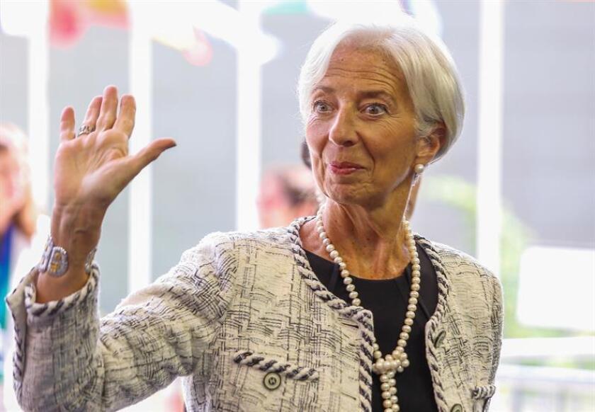 La directora gerente del Fondo Monetario Internacional (FMI), Christine Lagarde, reiteró hoy su confianza en el compromiso del Gobierno argentino de reconducir su economía, después de que el presidente de Argentina, Mauricio Macri, anunciara un nuevo acuerdo con ese organismo. EFE/ARCHIVO