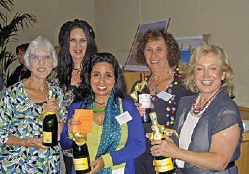 Quiz winners Marcie Radius, Lisa Marks, Lia Johnson, Elaine Harvey and Donatella Wachtel Courtesy photos