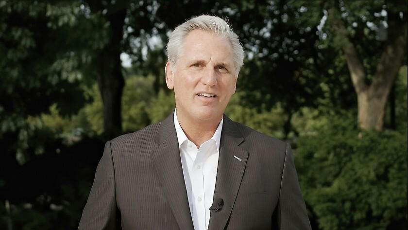 En esta captura de imagen de un video, el líder de la minoría en la Cámara de Representantes, Kevin McCarthy