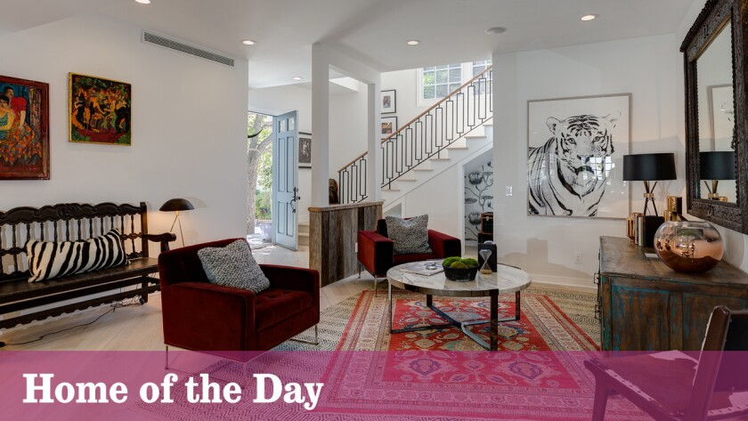 Home of the Day: Making an entrance in Beverly Crest