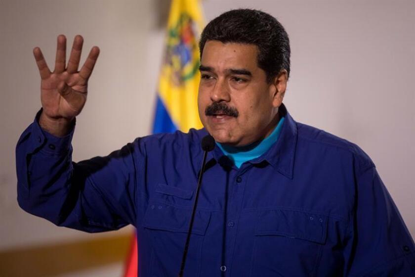 """El grupo de Ciudadanos Independientes Venezolano-estadounidenses (IVAC) pedirá al Congreso de EE.UU. una """"fuerza de paz"""" que despoje al Gobierno """"madurista"""" y mayores sanciones para su cúpula, que incluyan a Diosdado Cabello. En la imagen el presidente de Venezuela, Nicolás Maduro. EFE/ARCHIVO"""