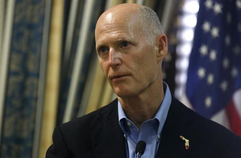 El gobernador de Florida, Rick Scott, habla durante una conferencia de prensa. EFE/Achivo