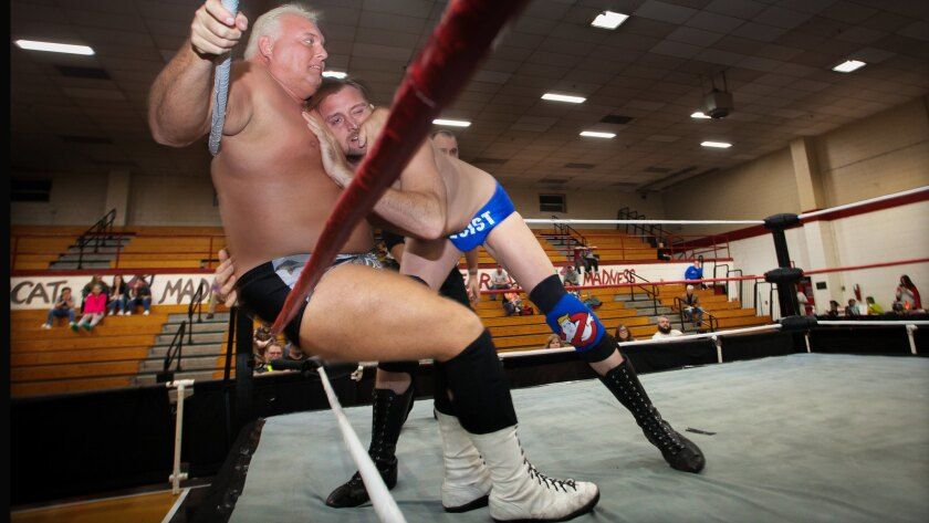 Stan Lee and Dan Richards fight an approximate 10 minute match where they exchange verbal jabs and d