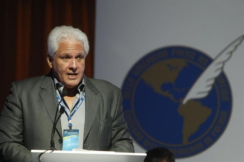 El presidente de la SIP, Gustavo Mohme, habla durante una conferencia de prensa. EFE/Archivo