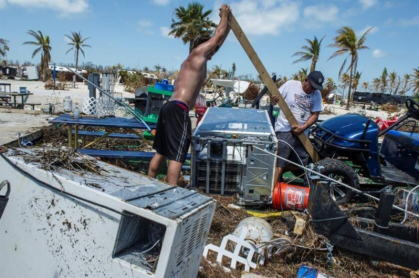 La Agencia para el Manejo de Emergencias (FEMA) destinó 1.000 millones de dólares a los damnificados por el huracán Irma desde el pasado 10 de septiembre, cuando el ciclón tocó tierra en los Cayos, y hasta la fecha, informó hoy la institución. EFE/ARCHIVO
