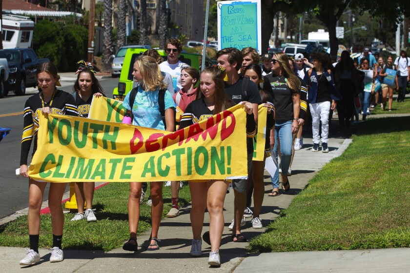 sd_me_climate_walkout_15-183127834