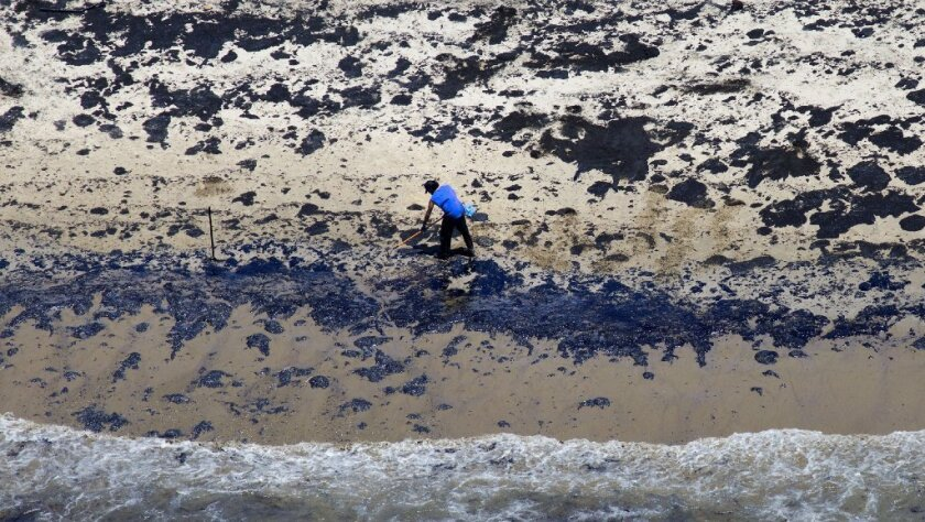 SANTA BARBARA, CALIF. -- WEDNESDAY, MAY 20, 2015: Oil spill cleanup and containment effort continues on the shore near Refugio State Beach in Santa Barbara, Calif., on May 20, 2015.