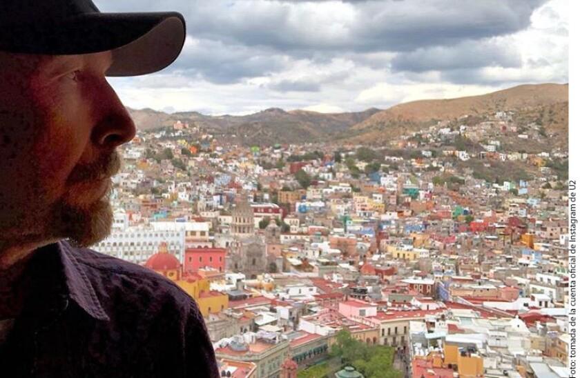 The Edge, guitarrista del grupo U2, compartió a través de la cuenta oficial del grupo de Instagram una foto de él en Guanajuato.