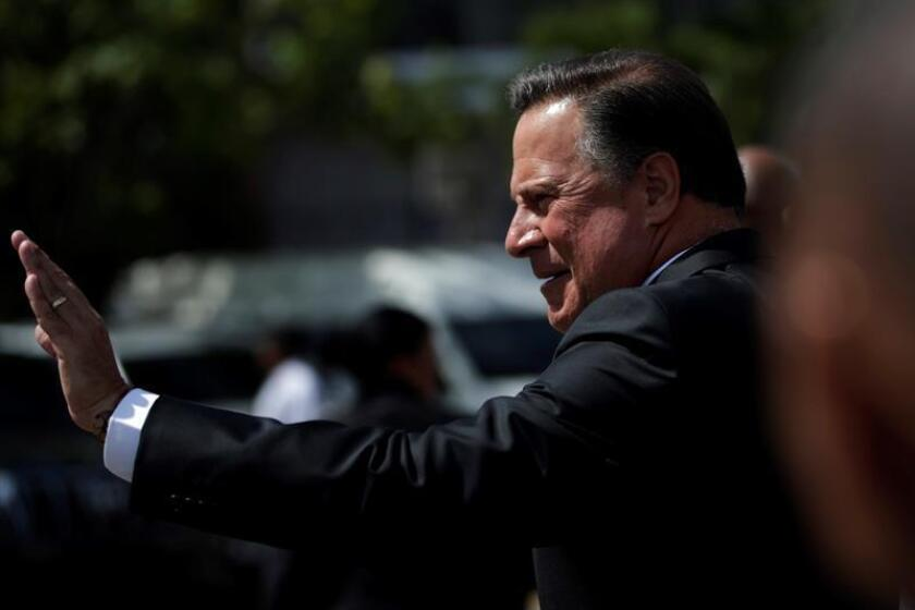 President Juan Carlos Varela waves at supporters during the fifth ordinary period of sessions in the National Assembly, in Panama City, Panama. Jan. 2, 2019. EPA-EFE/Bienvenido Velasco