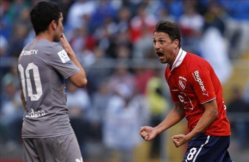 El jugador de Independiente de Argentina Jonathan Santana (d). EFE/Archivo