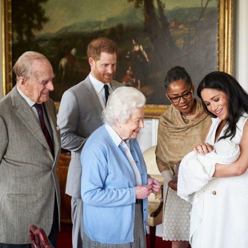 Por Que Archie El Nuevo Miembro De La Familia Real Britanica No Tiene Titulo Aqui Nuestra Hipotesis Los Angeles Times