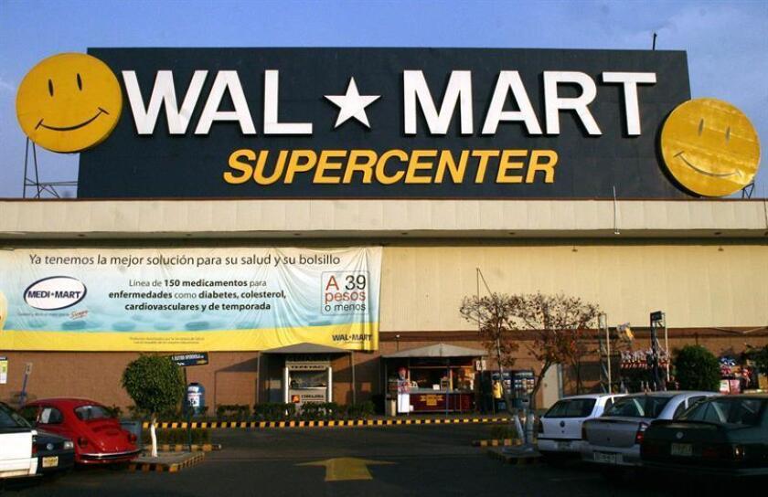 El centro por departamentos Wal-Mart de México anunció el 12 de febrero de 2008, en Ciudad de México, que durante 2008 invertiría un total de 12.500 millones de pesos para abrir 205 unidades comerciales nuevas, con lo que aumentaría su plantilla laboral en 21.000 empleos. EFE/Archivo