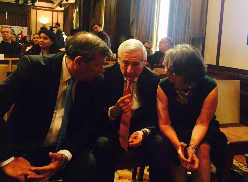 """El ministro chileno de Relaciones Exteriores, Heraldo Muñoz, afirmó hoy que tras la victoria de Donald Trump en las elecciones presidenciales de Estados Unidos """"el mundo se torna un poco más incierto y difícil·."""
