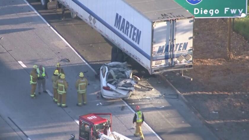Motorist killed in fiery crash on 405 Freeway in Sherman Oaks
