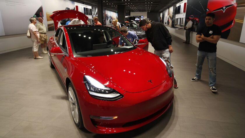 Tesla quits selling its standard $35,000 Model 3 online