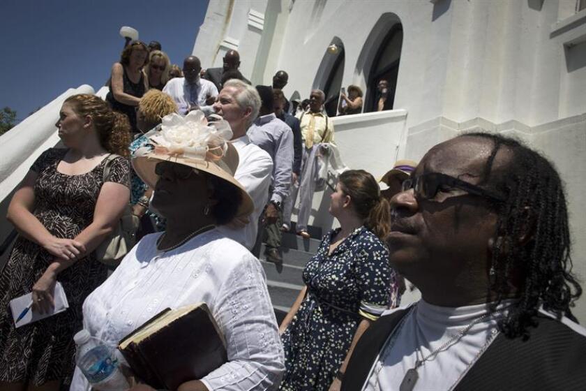 Dylann Roof, acusado de matar en junio del pasado año a nueve feligreses afroamericanos en una iglesia de Charleston (Carolina del Sur), fue declarado hoy culpable del crimen, por lo que será condenado a pena de muerte o cadena perpetua. EFE/ARCHIVO