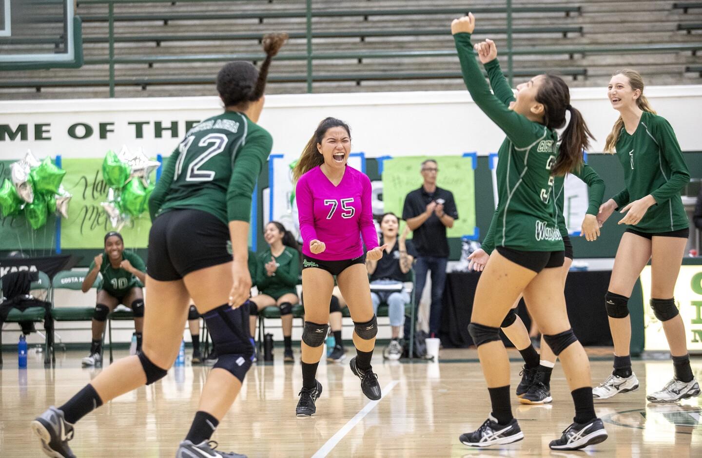 Photo Gallery: Estancia vs. Costa Mesa in girls' volleyball