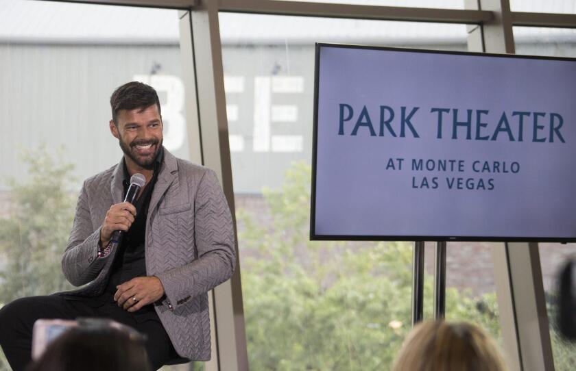 El músico puertorriqueño Ricky Martin habla durante una rueda de prensa hoy, miércoles 16 de noviembre de 2016, donde anuncia que hará residencia (show fijo) en el nuevo Monte Carlo Park Theater, en Las Vegas, Nevada.