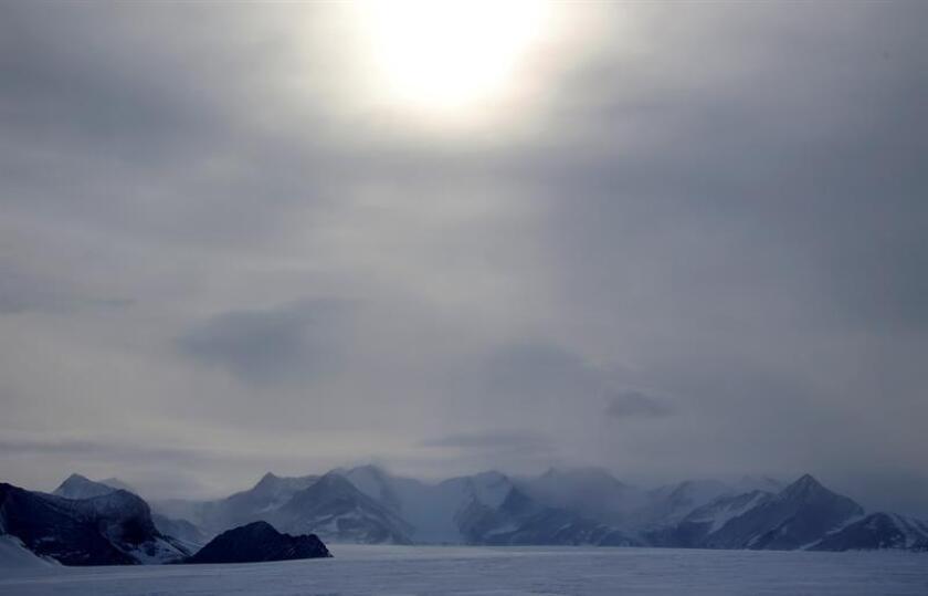 Fotografía de archivo del campamento Glaciar Unión (Antártida). EFE/Archivo