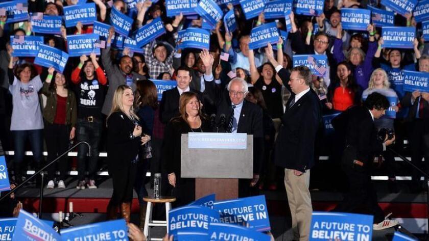 Imágenes de la noche de elecciones en New Hampshire.