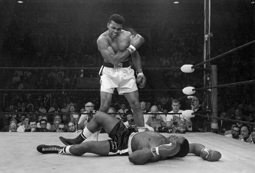 El boxeador Muhammad Ali fue uno de los deportistas que nos dejó en el año 2016.