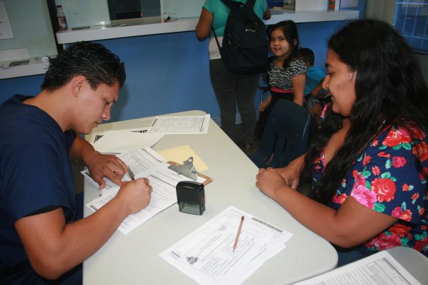 En el consulado móvil que se realizará en Oakland, California se llenarán formularios de TPS, proceso de reinscripción que concluye el 15 de julio.