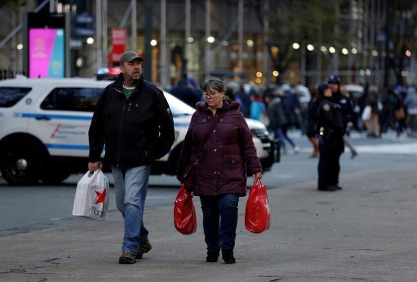 Mexicanos se presentan vitales para comercio fronterizo en época de compras