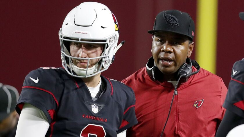 Arizona Cardinals quarterbacks coach Byron Leftwich talks with quarterback Josh Rosen (3) during the