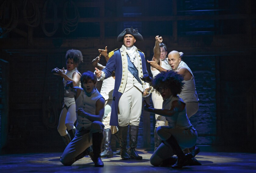 Christopher Jackson interpreta a George Washington en