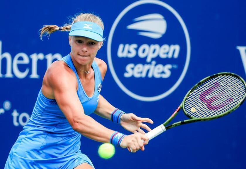 Kiki Bertens of the Netherlands in action against Petra Kvitova of the Czech Republic in their semifinal match in the Western & Southern Open tennis tournament at the Lindner Family Tennis Center in Mason, Ohio, USA, 18 August 2018. EFE