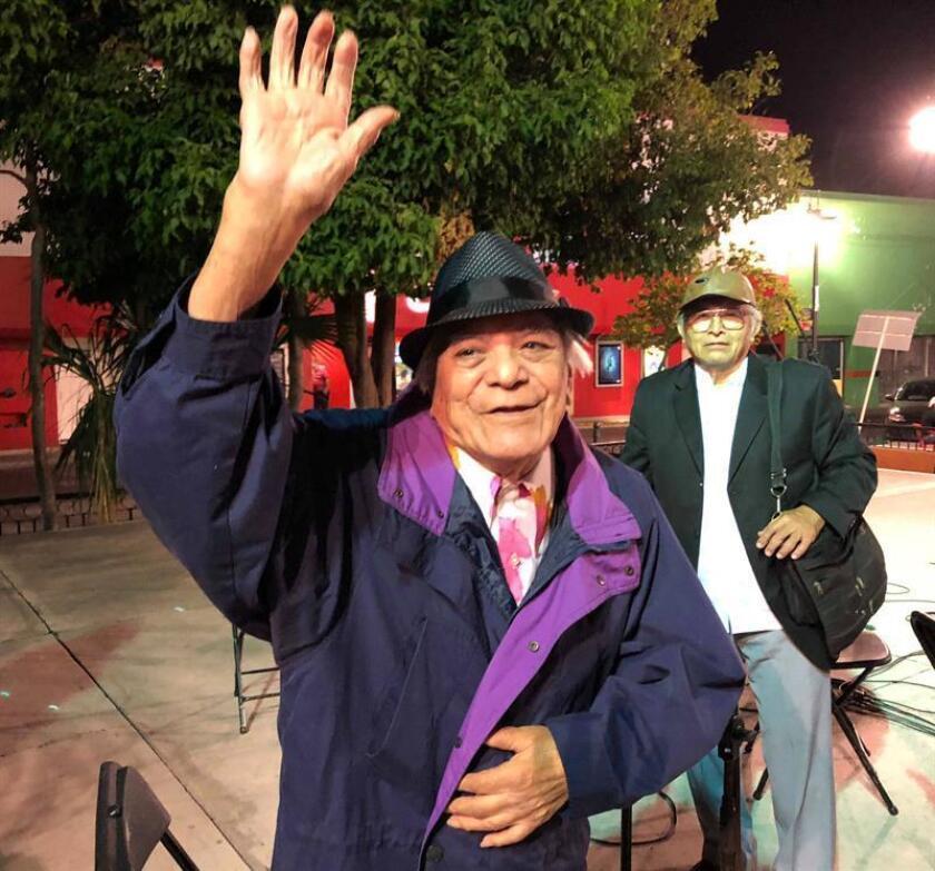MÉRIDA (MÉXICO), 20/01/2018.- Fotografía del 9 de enero de 2018 que muestra al cantante mexicano Tony Camargo al termino de una conversación con Efe, en la ciudad de Mérida, Yucatán (México). EFE/Archivo